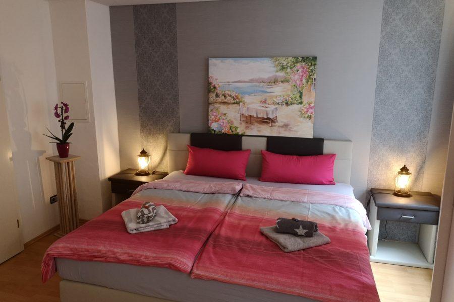 FeWo 1 Bett Zimmer 1