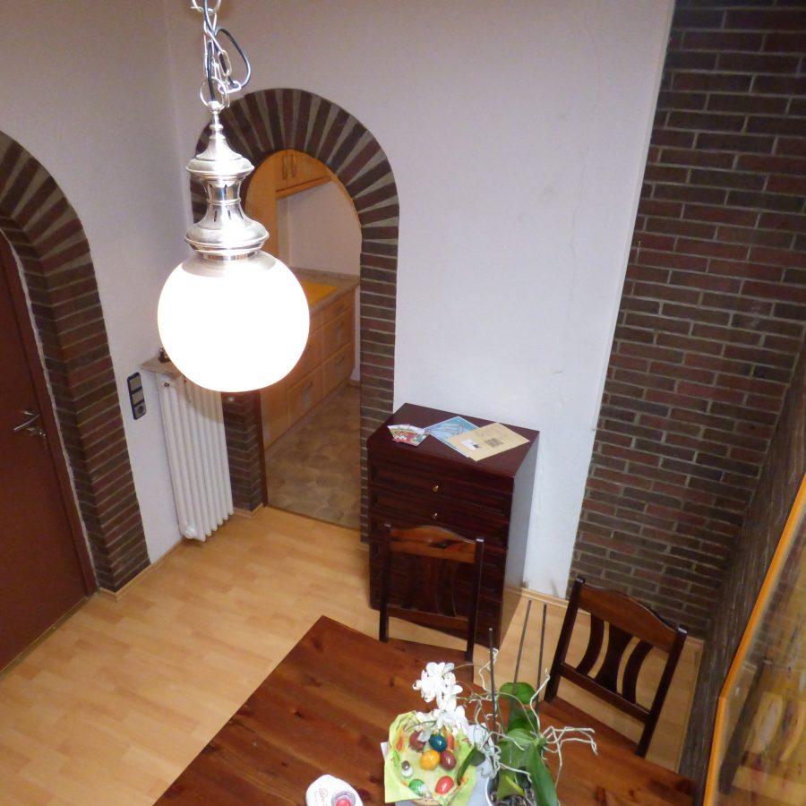 Links Zimmer 1, rechts Küche & Bad